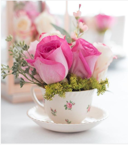 Stunning spring flower arrangement ideas george herald this is great for your budget as you dont need a lot of flowers to have pretty arrangements in your home even small blooms from your garden will do mightylinksfo