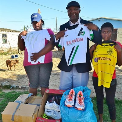 Diving company shows it cares | Mossel Bay Advertiser