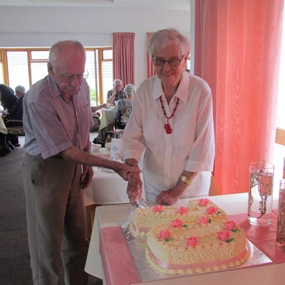 Scholls celebrate 70 years of marriage