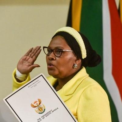 DA bemoans 'embarrassing' R105K bill for ANC's Zimbabwe flight
