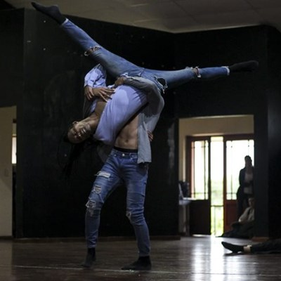 Locals get dance injection from Cape Town