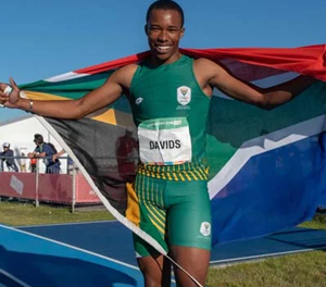 Luke Davids bolts to sprinting glory at Youth Olympics