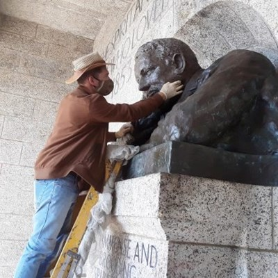 Rhodes Memorial statue gets repaired