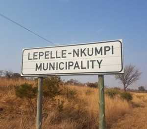 People don't have water, but municipality throws R563k party