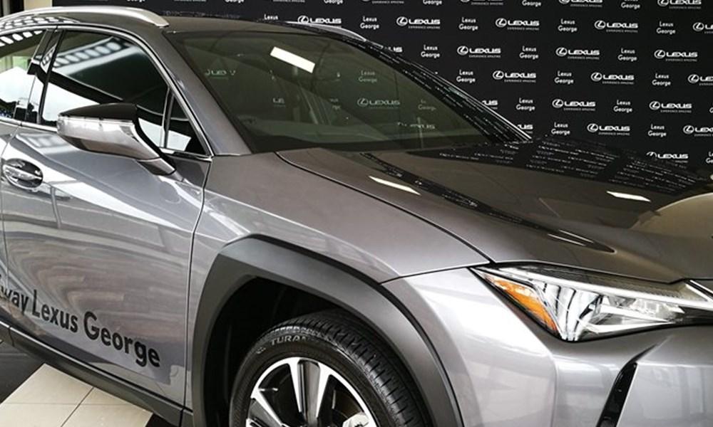 Halfway George | Pick of the Week | Lexus UX 200 EX
