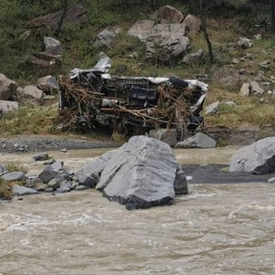 1 drowned, 3 missing after taxi is swept away in river in Weenen