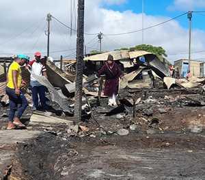 24 homes gutted in Plett blaze