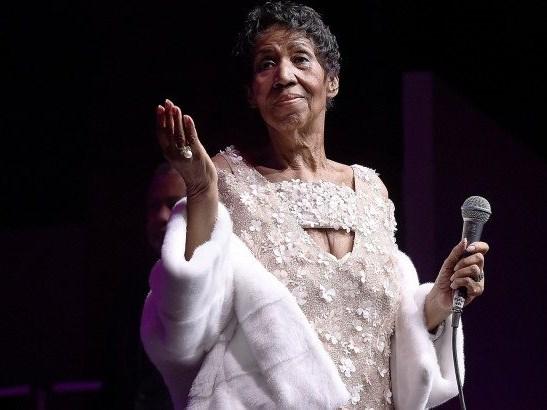 Legendary Aretha Franklin dies at 76