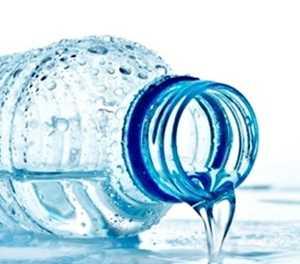 Reëlings getref vir water