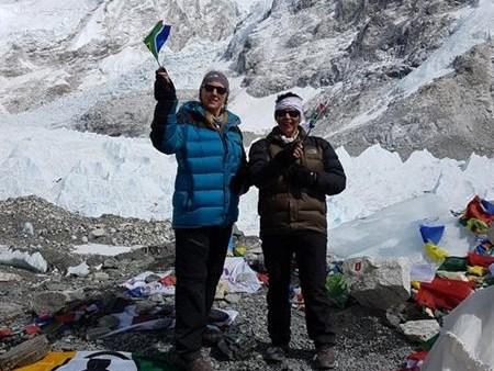 Vroue stap na Everest-basiskamp