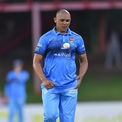 Replacements for Pienaar and Piedt announced