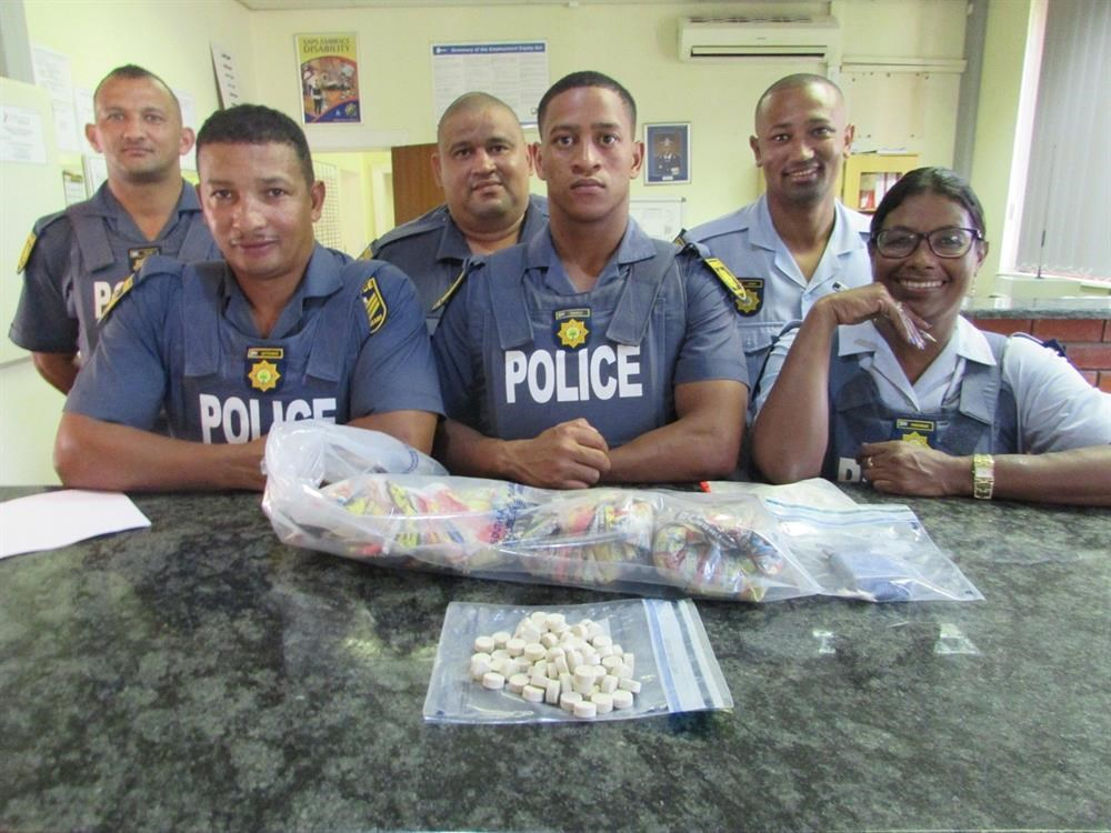 Polisie vang vier vinnig