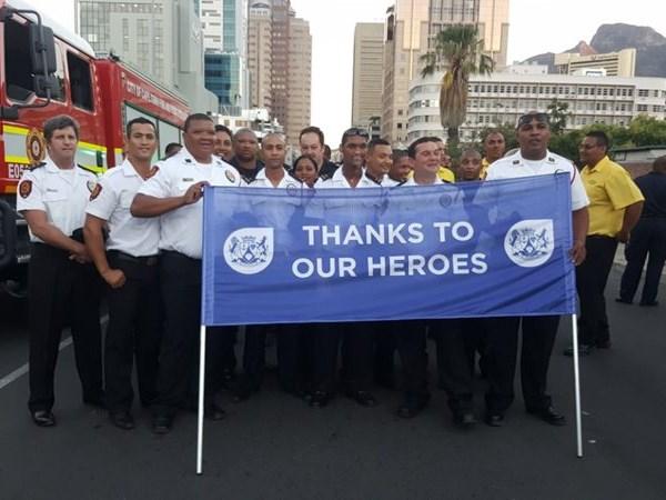 Brandbestryders deel van Kaapse Karnaval