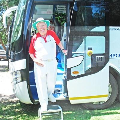 UK legend brings bowlers to George