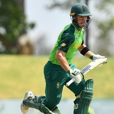 Plettonian called up to Cobras squad