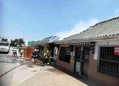 Brand by winkels op Groot-Brak Rivier