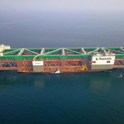 Record-breaking vessel passes Mossel Bay