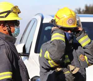 Premier Winde thanks firefighters, NGOs and residents