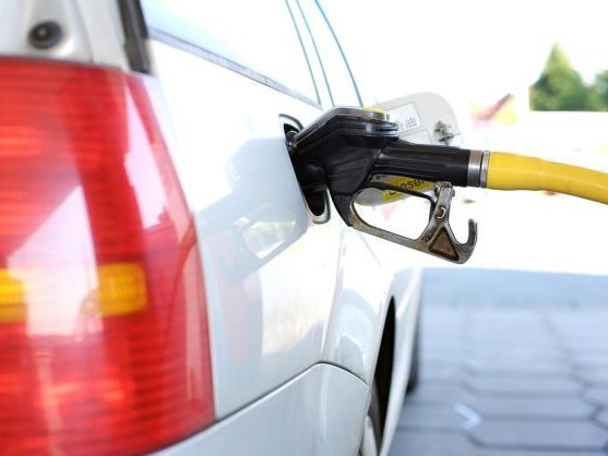 Fuel tussle continues as oil battles rand – AA