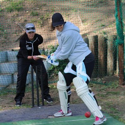 A warm welcome to the fold for female cricket