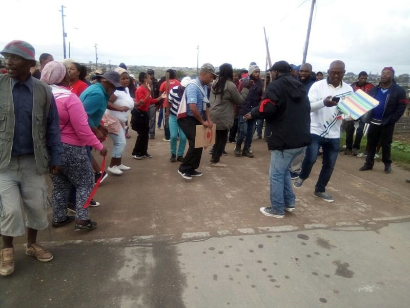 Protest march heading to municipality