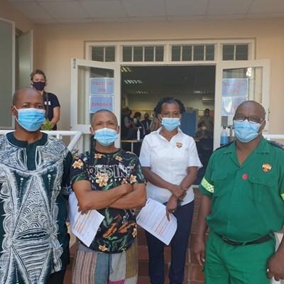 First health worker receives vaccine