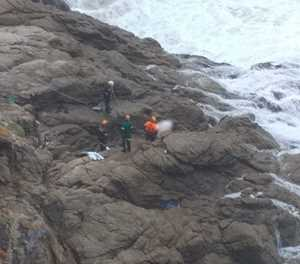 Update: Man's body recovered from cliffs