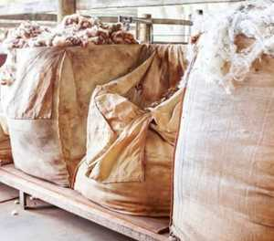 Hijackers flee with 55 bales of mohair worth more than R1.2 million