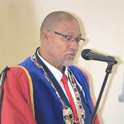 Oudtshoorn burgemeester gaan bedank