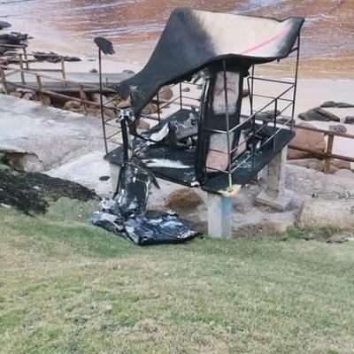 Toring op Gwaing in brand verwoes