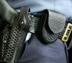 Policeman involved in alleged drunken shootout, hijacking