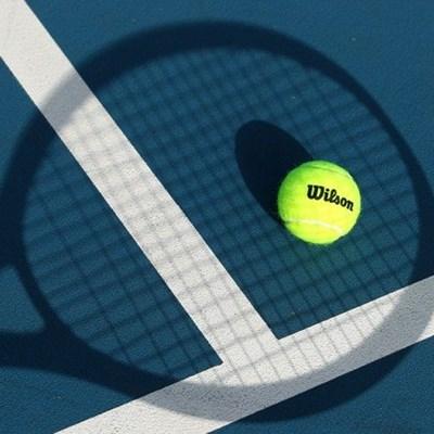 Makarova, Lock win Futures 3