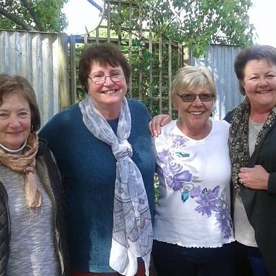 Hoekwil Open Gardens donate generously