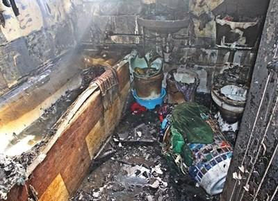 Woonstel agter Pacaltsdorp Superette verwoes in brand