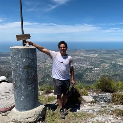 Blind runner summits George Peak
