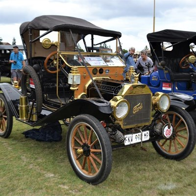 Surprises in store for George Old Car Show