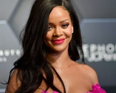 Rihanna named world's richest female musician