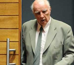 Justice minister orders review of rapist Bob Hewitt's release