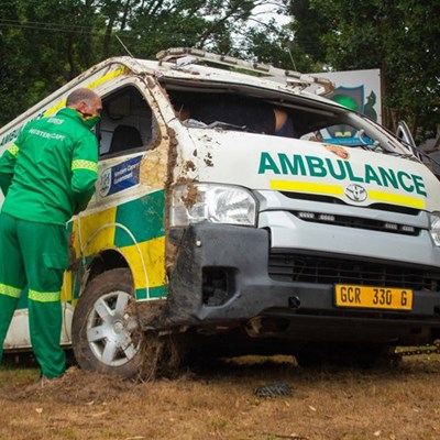 No serious injuries in ambulance accident