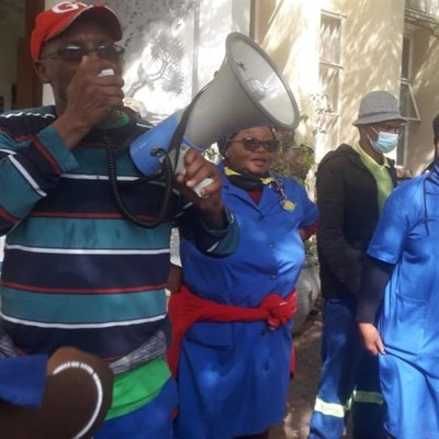 "Knysna muni workers demand ""danger pay"""