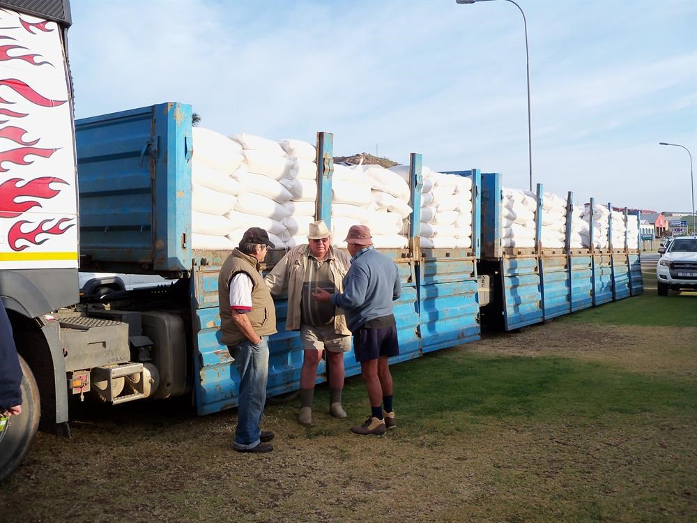Farmers descend on Mossel Bay to collect fodder
