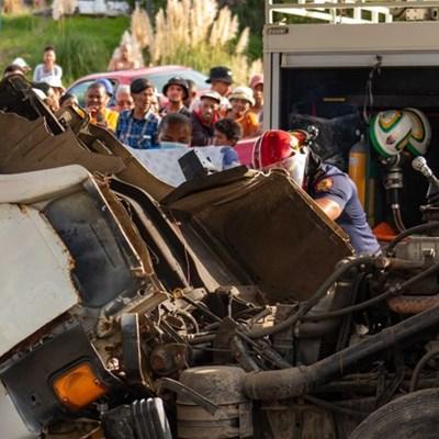 Man survives truck crash with light injuries