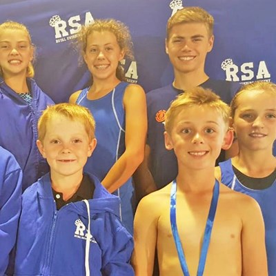 Royal swimmers shine in biathlon