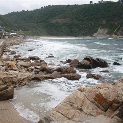 Non-fatal drowning at Vic Bay