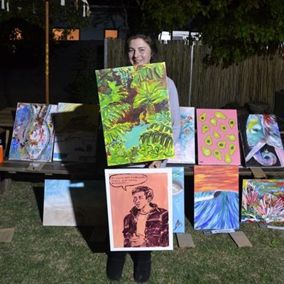 Ex-Georgian wins live art contest