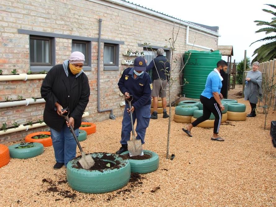 Werkskepping deur tuinprojek