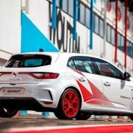 Renault Megane RS Trophy loses weight, becomes hardcore Trophy-R