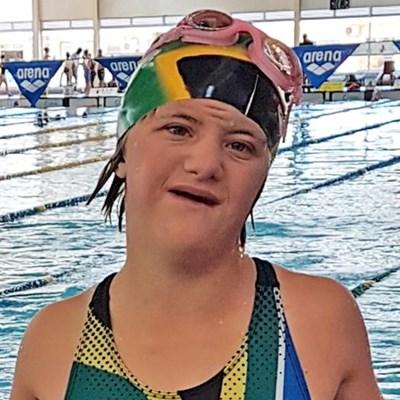 Minke swem twee wêreldrekords los