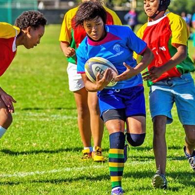 Eden-dogters blink uit by rugbyfees op Werkersdag