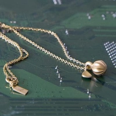 Jeweller turns electronic waste into eye-catching pieces